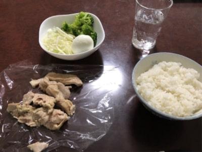 ご飯 ブロッコリー キャベツ ゆで卵 鶏むね肉